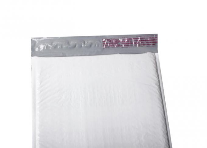 White Color Poly Bubble Mailers Customized Size Strong Adhesive For Clothes