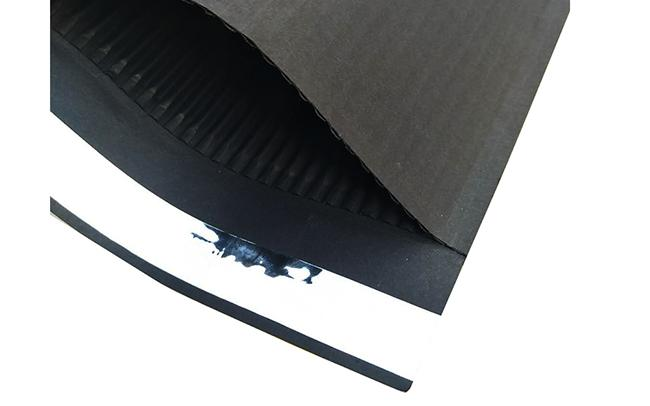 100% Biodegradable Material No Plastic Black kraft Paper Padded Corrugated Surf Paper Mailer