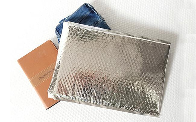 Silver Metallic Bubble Mailer Envelopes Self Seal Custom Size 6x10 Inch For Mailing